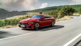 Mercedes-AMG GT 63 S E PERFORMANCE fährt auf Reifen von Continental